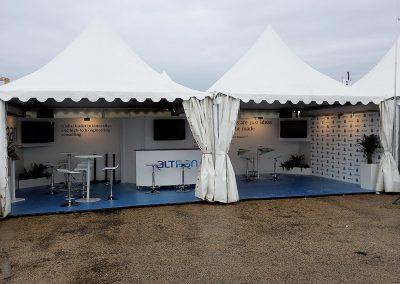 Stand chapiteau Concept expo à la course Edhec aux Sables-d'Olonne